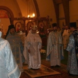 Archimandrite Irénée makes the Confessions of Faith.